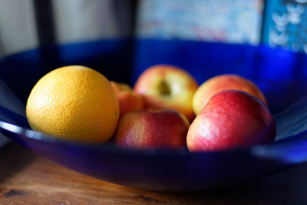 treatment for knee pain is like apples and oranges